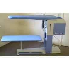 Консольный гладильный стол Comel BR/A-SXD с вакуумом и нагревом рабочей поверхности